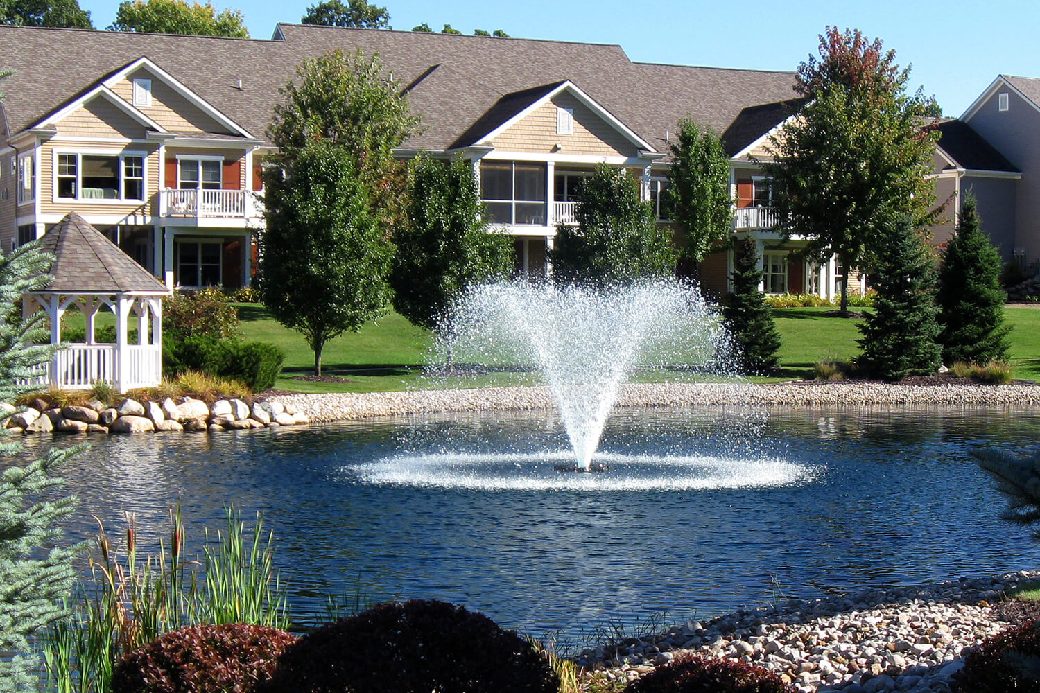One of Otterbine's Gemini Aerating Fountains in a residential area