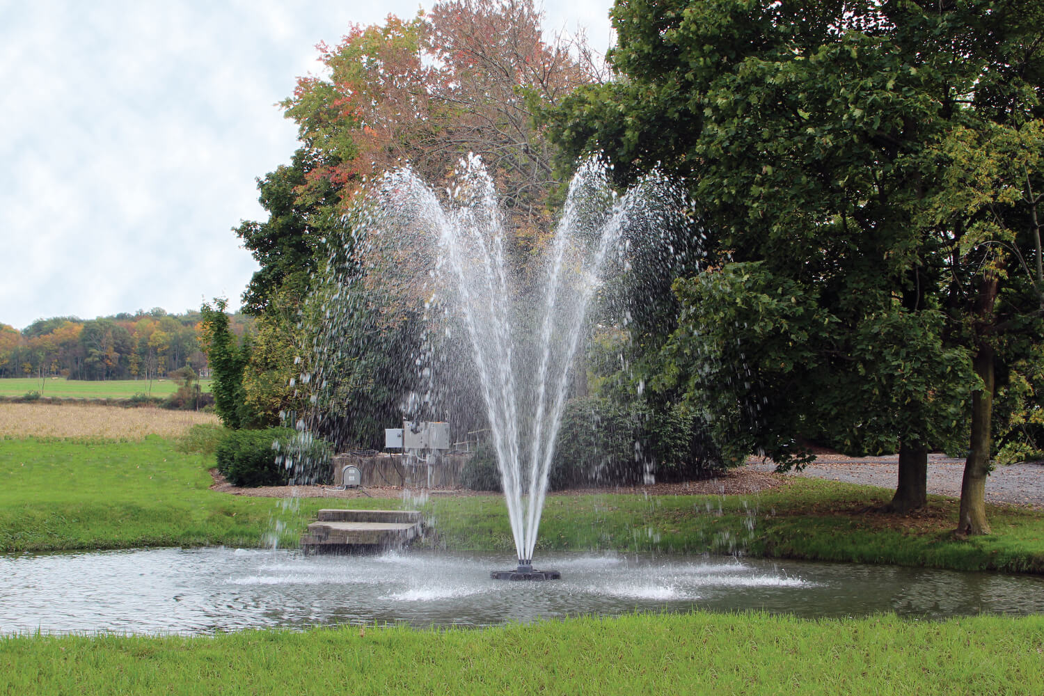 One of Otterbine's Omega Aerating Arch Fountains