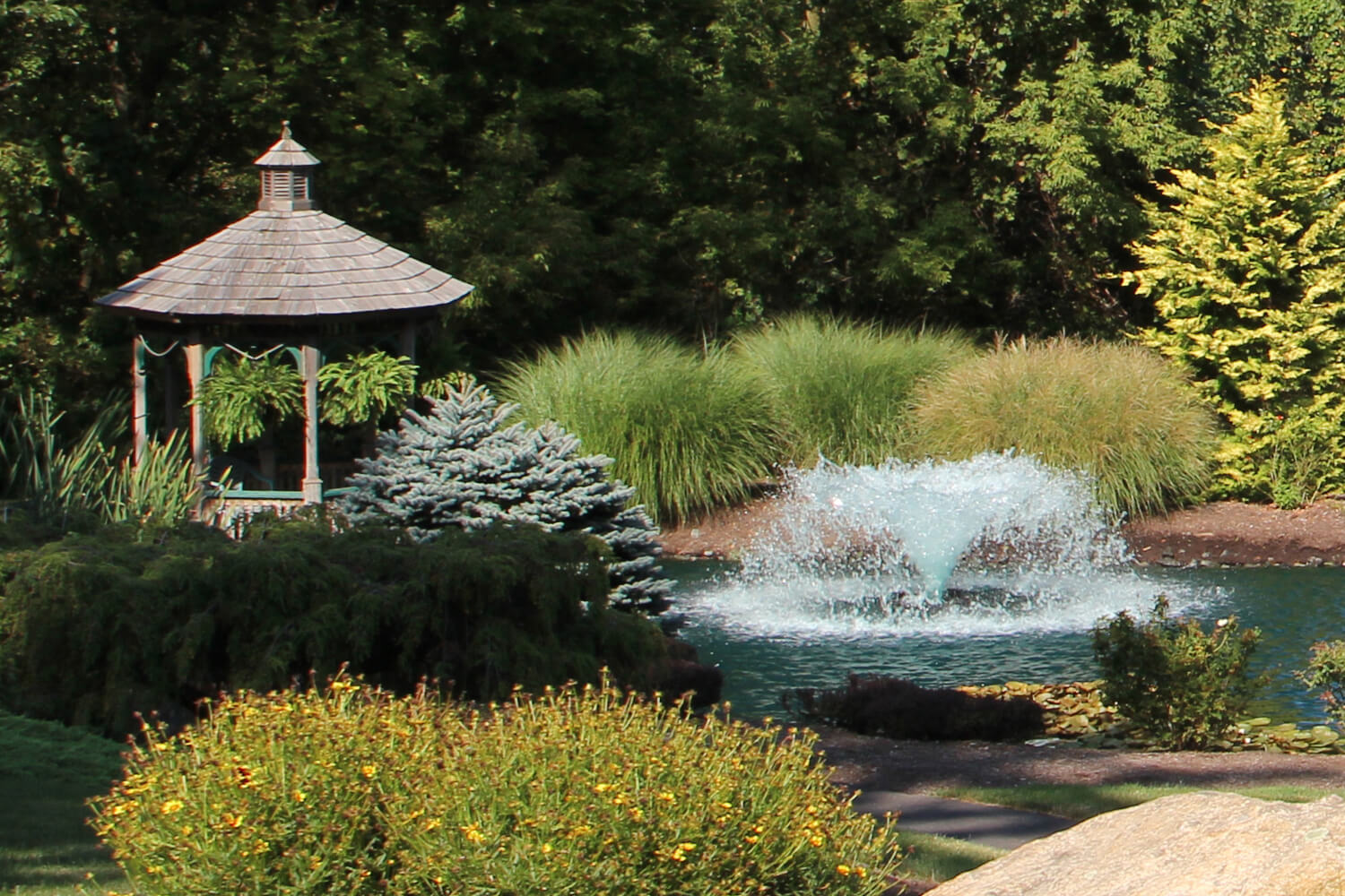 Otterbine's Saturn Aerating Fountain