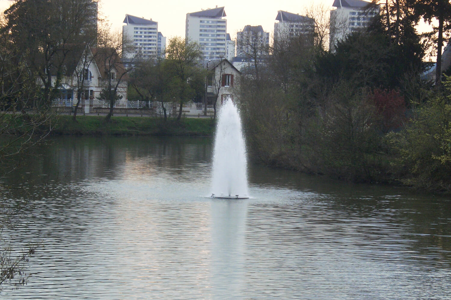 One of Otterbine's Polaris Aerating Fountains