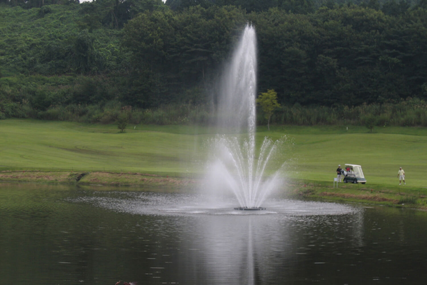 One of Otterbine's Triad Giant Aerating Fountains