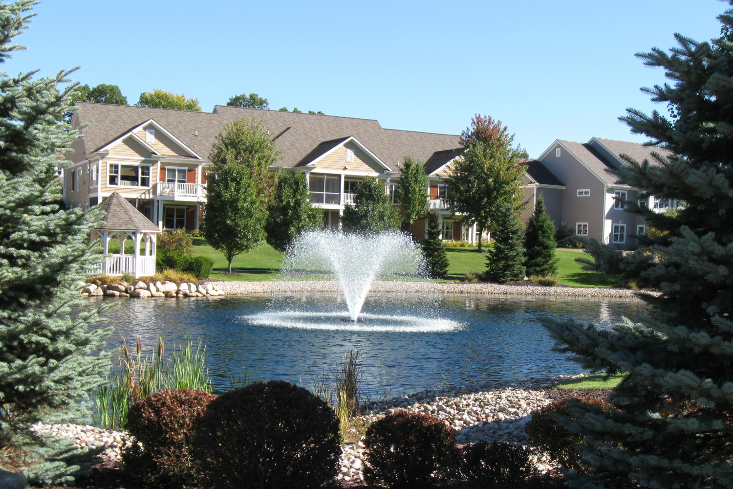 An Otterbine Aerating Fountain in a residential area