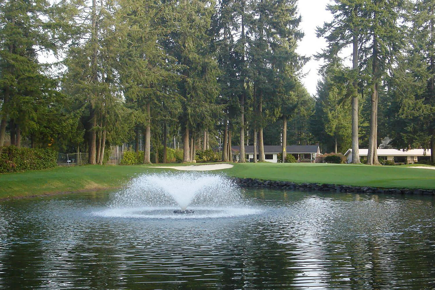 One of Otterbine's Saturn Aerating Fountains at a golf course